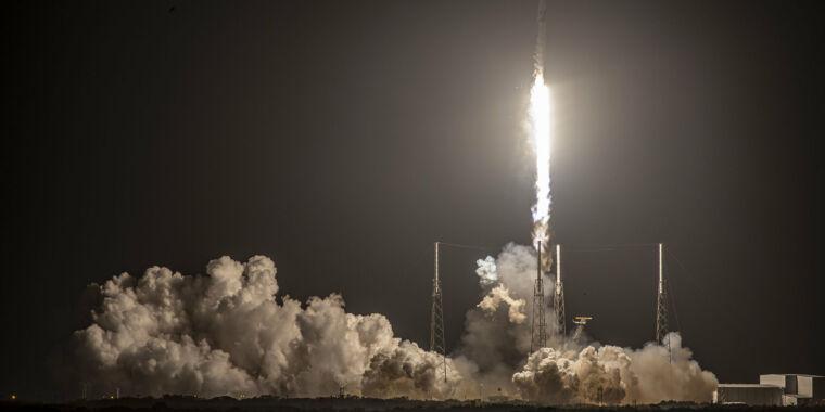 Rocket Report: SpaceX, iniş başarısızlığını açıklıyor, daha fazlası New Glenn gecikmeleriyle ilgili