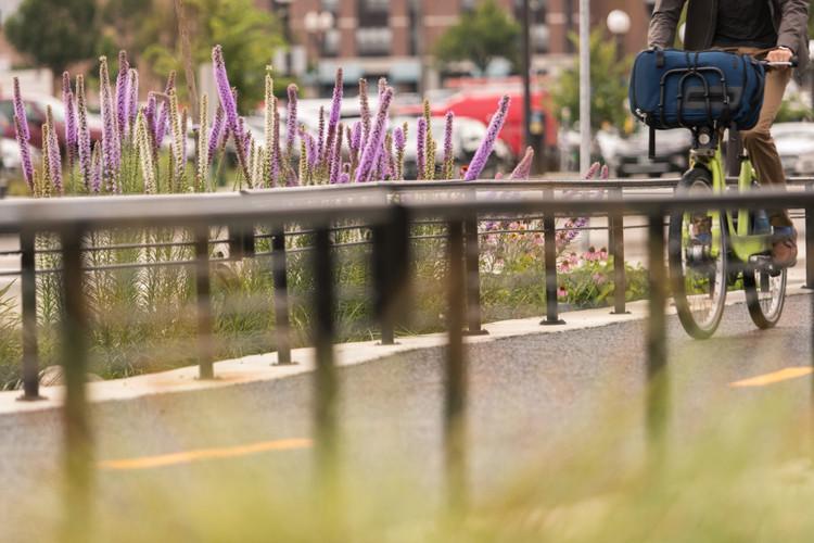 Jackson Sokağı Yeniden Yapılanma Projesi, Saint Paul, Minnesota. Resim © Bruce Buckley Toole Design için Fotoğrafçılık